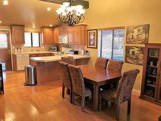 RENT REDUCED! Warm & Wellcoming Condo in Village of Oak Creek - Canyon Diablo Co
