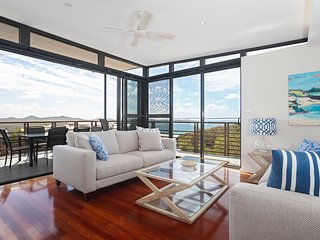 'Beach View At One Mile', 8/26 One Mile Close - infinity complex pool & WIFI