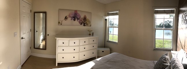 'Be our Guest' room (Room #2, Queen size bed)