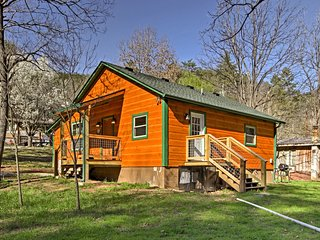 NEW! 'Just Fur Relaxin' 2BR Sevierville Cabin