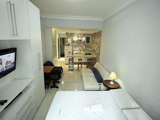 Cheap Rio de Janeiro Accommodation C035