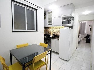 Cozy apartment with air conditioning and free amenities. C032
