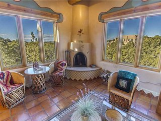 An Enchanting Casita, 2 Bedrooms, Views, HDTV, Fireplaces, WiFi,Sleeps 4 - Hou