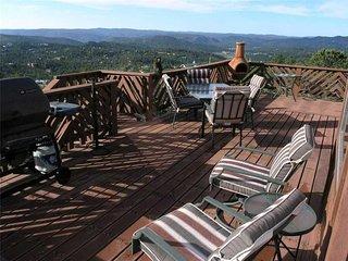 Lindley's Valley View, 3 Bedrooms, Pets Welcome, Mtn Views, Sleeps 8 - Cabin