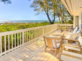 Arcadia- Four Bedroom- Four bathroom- Beach Front