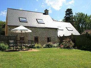 Jasmine Cottage, Dog Friendly, Parking & Fire