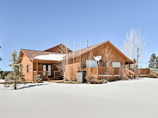 Dog-Friendly Pagosa Springs Home - Walk to Lake!