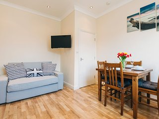 Apartment in London with Internet, Washing machine (678014)