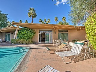 Palm Desert Duplex w/ Pool Access & Patio!
