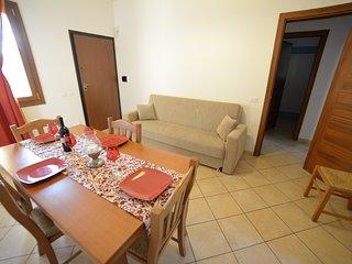Torre Lapillo, appartamento con giardino a 1 km