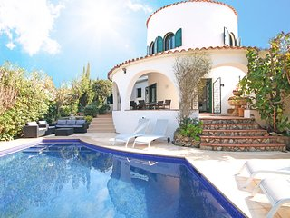 Extraordinary Villa 5 minutes from the beach