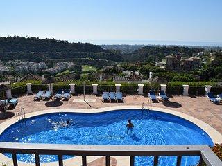 Modern Apartment With Sea / Pool & Mountain Views