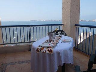 Fantastic Apartment Front Sea Views