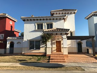 Front line golf detached villa with private pool, WiFi, aircon.