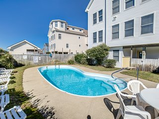 Sunny Delight: 8 BR / 8 BA eight bedroom house in Kill Devil Hills, Sleeps 24