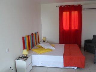 Chambre climatisée lit en 160 confort ferme