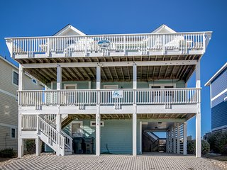 Double Dip Beach House: 5 BR / 4 BA five bedroom house in Nags Head, Sleeps 13
