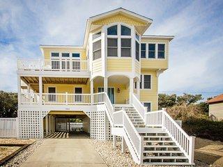 Going Coastal: 6 BR / 5 BA six bedroom house in Kitty Hawk, Sleeps 14