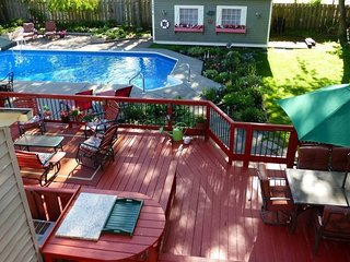 Private Guesthouse with Pool, Hot Tub, Huge Deck, and Gardens