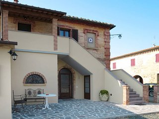 3 bedroom Apartment in Podere Sant'Elisa, Tuscany, Italy - 5583199