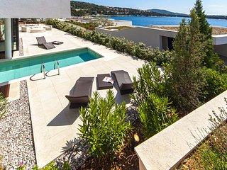 3 bedroom Villa in Primosten, Sibensko-Kninska Zupanija, Croatia : ref 5583154