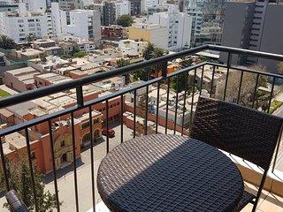 Centrico y Amoblado Departamento en Miraflores-Lima