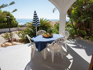 Casa Vacanza 250 metri dalla spiaggia, wi-fi, campo da Tennis & Calcetto
