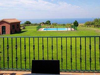 Casa Rural Grande 14 pax 6 Hab  PISCINA - VISTAS AL MAR - BARBACOAS y GRAN FINCA