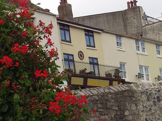Upper Cottage Brixham, Close to Harbour and Shops,wi fi and free parking space