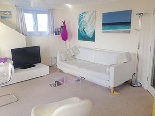 ST IVES TOWN, 5 OCEAN BREEZE PENTHOUSE APARTMENT, AWESOME BAY VIEWS,WIFI(GARAGE)