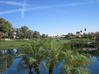 4 BR Ocotillo Home w/ Billiards and BBQ, Golf Course & Lake Views