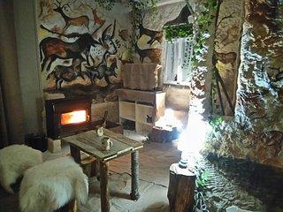 Reconstitution de l interieur d une grotte prehistorique