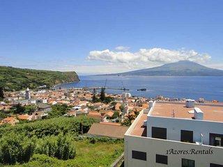 Top View Apartment Horta - CARMO APARTMENTS DIR 1D
