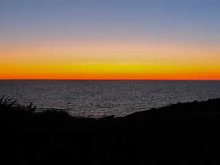 #322- Movie Star Seclusion- Spectacular Sunsets over Cape Cod Bay. Private Beach