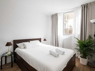 Family Apartment 2 Double Bedrooms for 4+1 Near Sagrada Familia