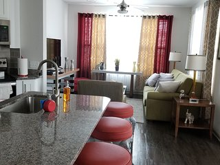 Amazing 3 Beds Condo Lake View & Close to ALL Disney Parks..