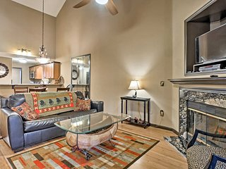 Riverfront Branson Condo w/Pool Access by Fishing!