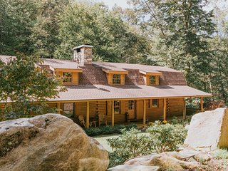 Diamond Falls Preserve: Luxury Mountain Cabin Near Asheville, Lake Lure & Tryon