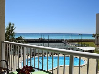 Right On The Beach #314 - Newly Remodeled w/Free Beach Service
