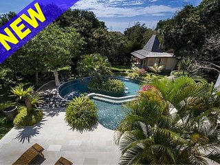Khajuraho 4 Bedroom Villa in Uluwatu;