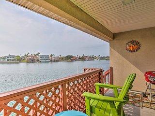 Waterfront Corpus Christi Condo w/ Deck & Dock!