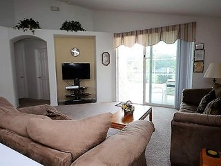 1114LHD. Lovely 4 Bedroom 2 Bath Pool Home in KISSIMMEE FL
