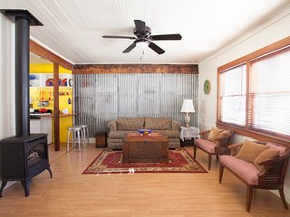 Cozy Historic Bisbee Vacation Cottage
