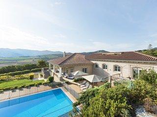 Olala Sea&City View Family Villa | 5000m2 garden