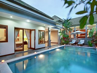 Villa Senang Canggu - 2 Bedroom Bali Holiday Villas