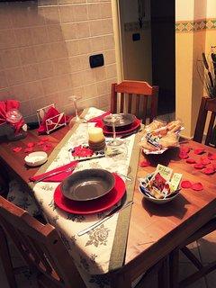 dettaglio tavolo cucina