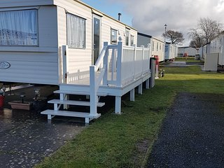 Hollys caravan walnut Trecco Bay