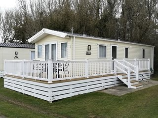 Two bedroomed static caravan on one of the premier sites on the Hampshire coast