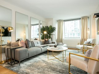 Ultra luxury 4BR/3BA duplex near Lincoln Center, Central Park, Apple Store, etc