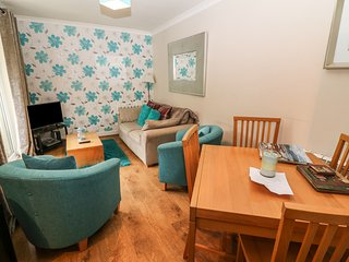 Bluebell Hill, First floor apartment. parking, central. Ref: 972559